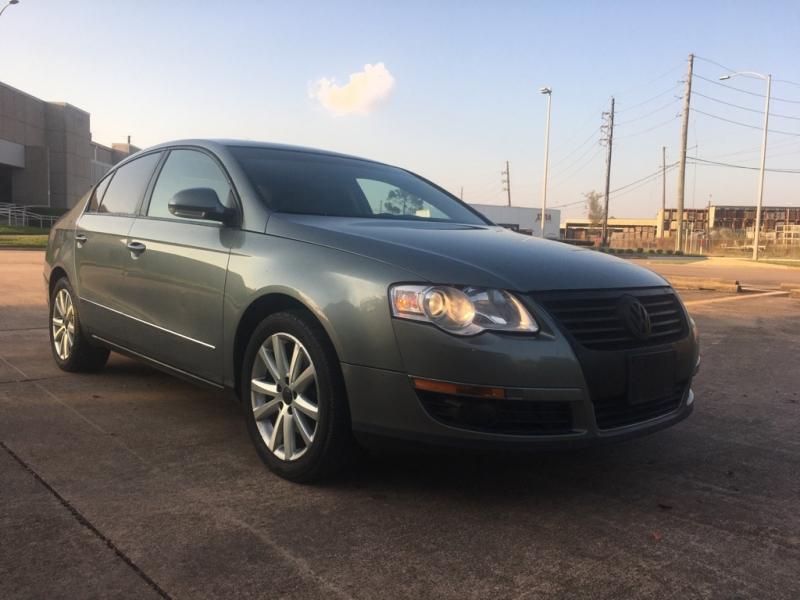 Volkswagen Passat Sedan 2006 price $4,999
