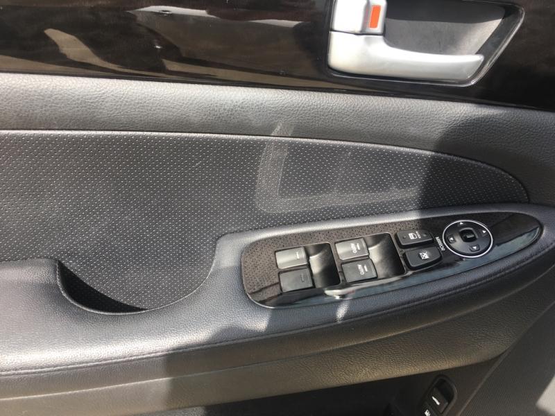 Hyundai Genesis 2013 price $12,900