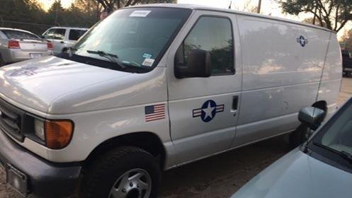 Ford Econoline Cargo Van 2004 price $6,900