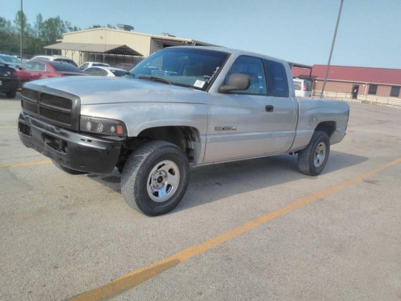 Dodge Ram 1500 2000 price $4,999