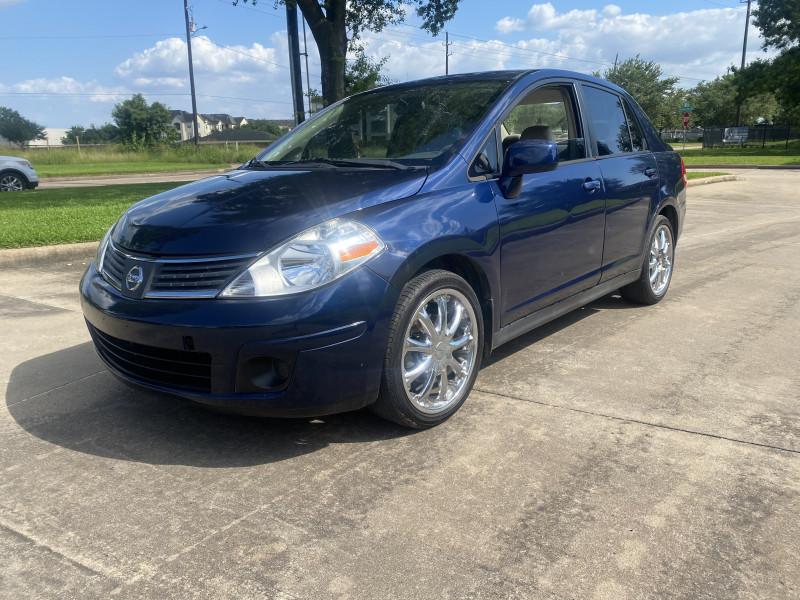 Nissan Versa 2009 price $4,999
