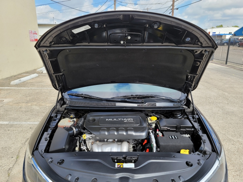 Chrysler 200 2016 price $8,999 Cash