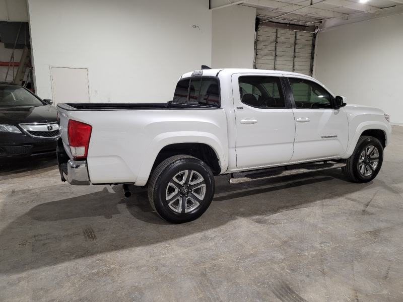 Toyota Tacoma 2017 price $24,999 Cash