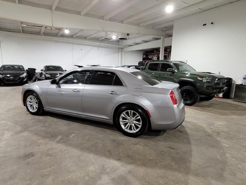 Chrysler 300 2016 price $14,999 Cash