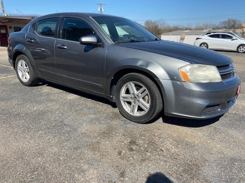 Dodge Avenger 2012 price $900 Down