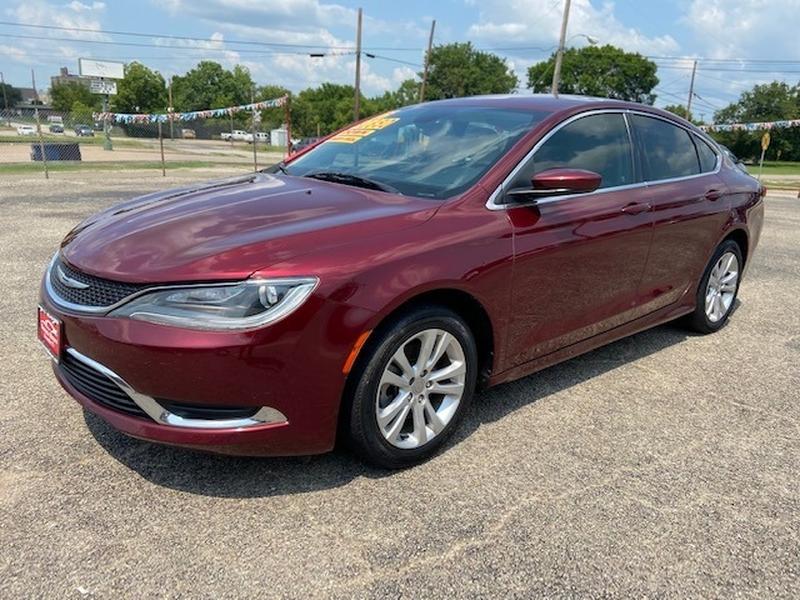 Chrysler 200 2015 price $1,850 Down