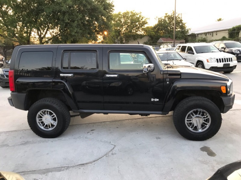 HUMMER H3 2006 price $6,495