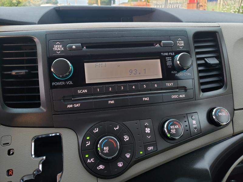 Toyota Sienna 2011 price $8,395