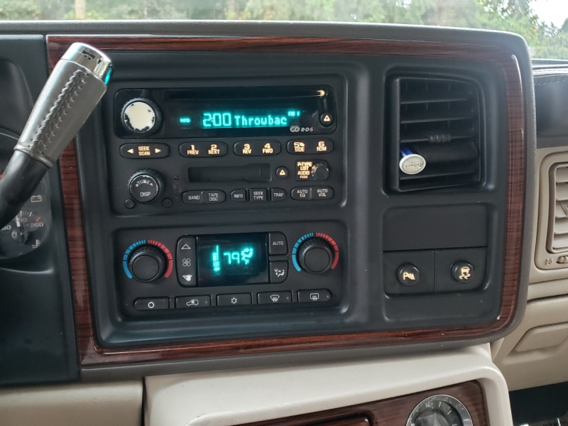 Cadillac Escalade 2003 price $5,495