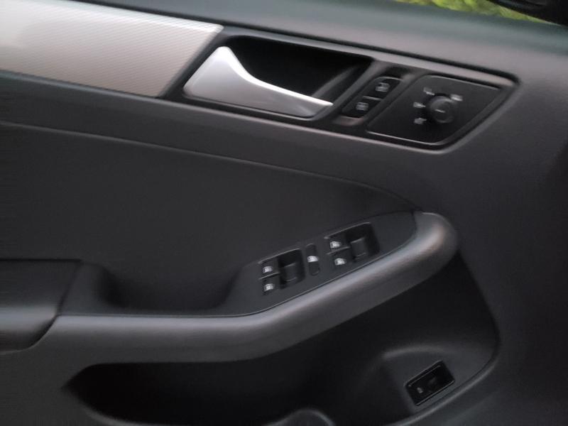 Volkswagen Jetta Sedan 2015 price $8,895