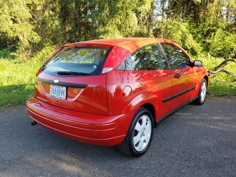 Ford Focus 2001 price $2,495
