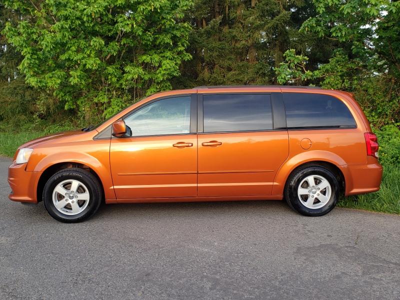 Dodge Grand Caravan 2011 price $8,995