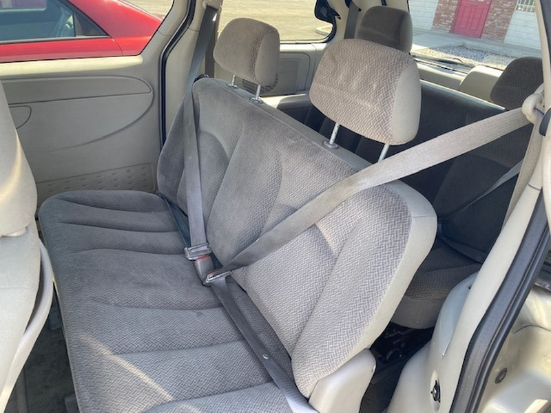 Chrysler Town & Country 2005 price $4,895