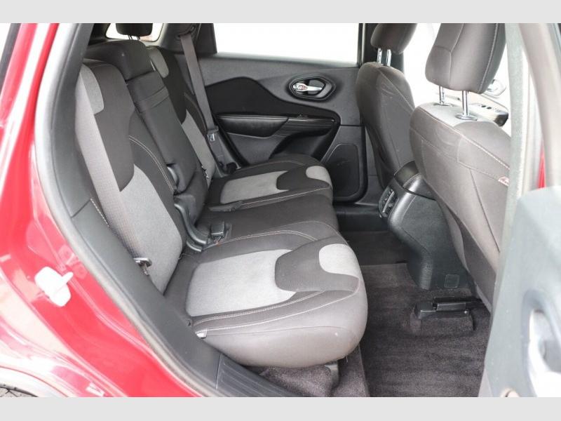 Jeep Cherokee 2016 price $14,900
