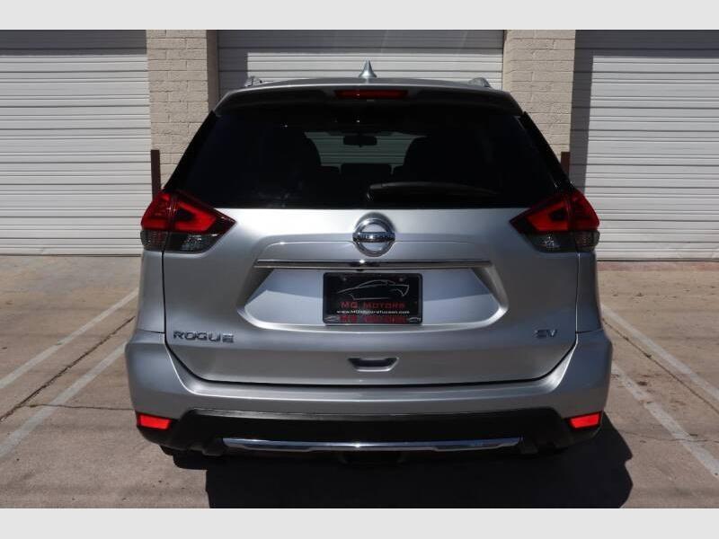 Nissan Rogue 2017 price $14,900