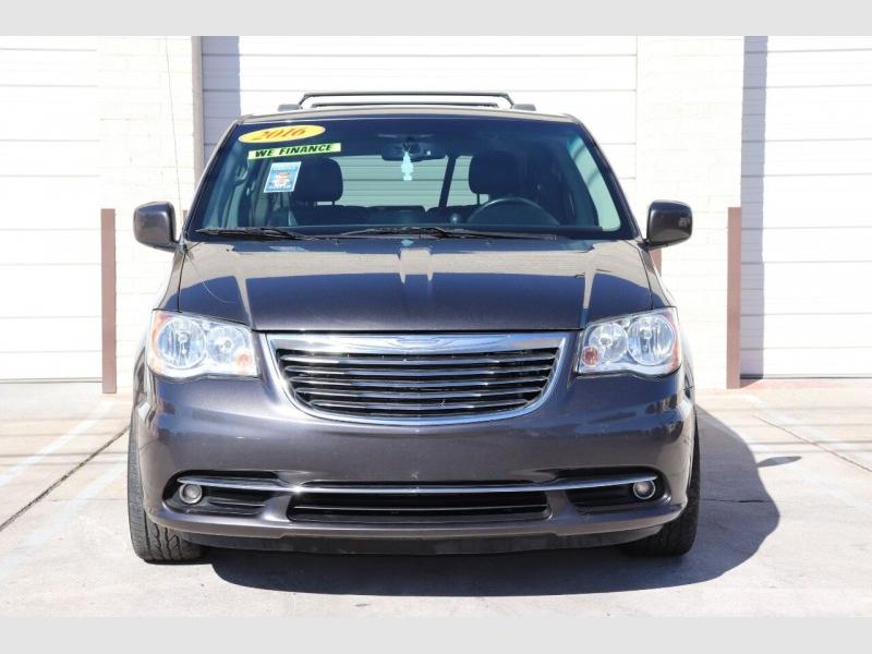 Chrysler Town and Country 2016 price $10,900