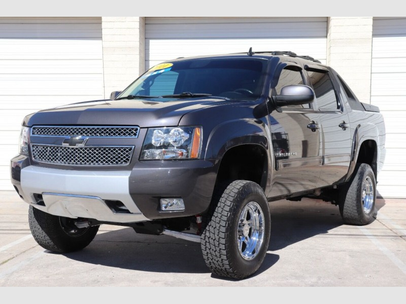 Chevrolet Avalanche 2011 price $15,900