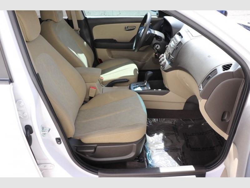 Hyundai Elantra 2010 price $6,900