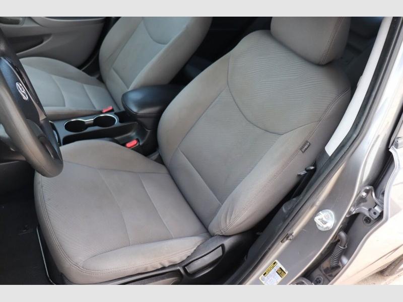 Hyundai Elantra 2013 price $8,900