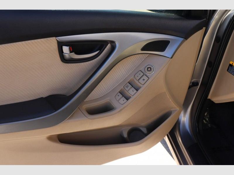Hyundai Elantra 2011 price $7,900