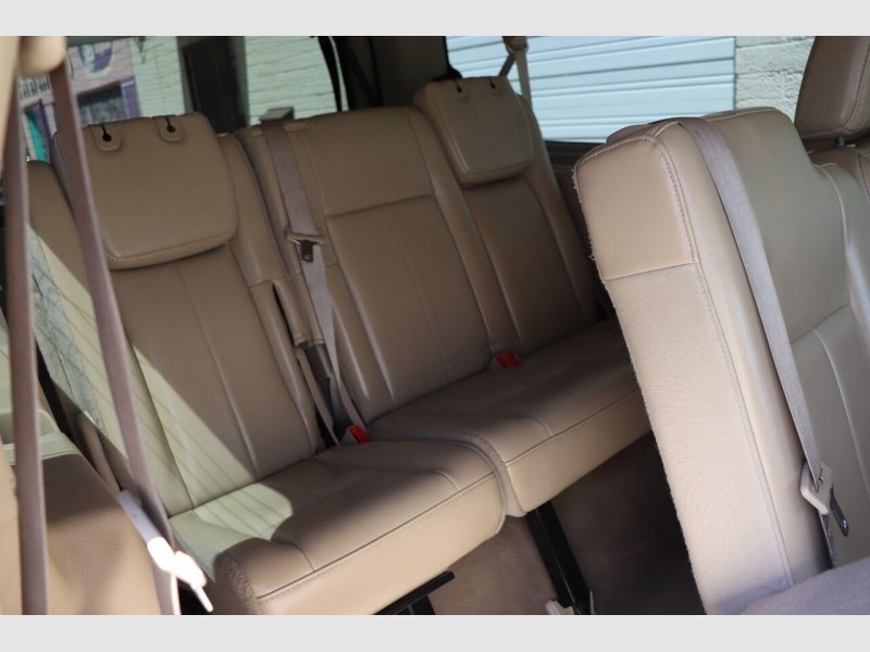 Ford Expedition EL 2013 price $17,900