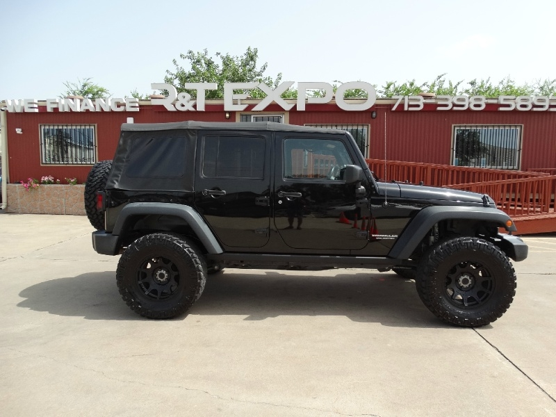 Jeep Wrangler Unlimited 2016 price $30,995