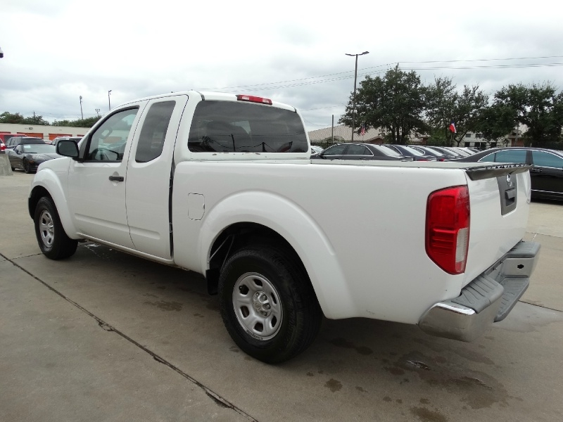 Nissan Frontier 2015 price $8,995
