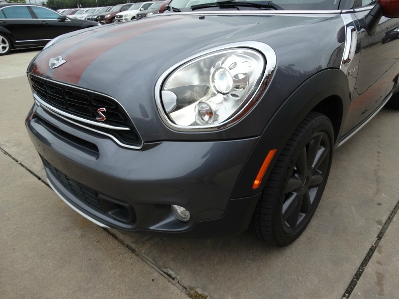 Mini Cooper Countryman 2016 price $17,995