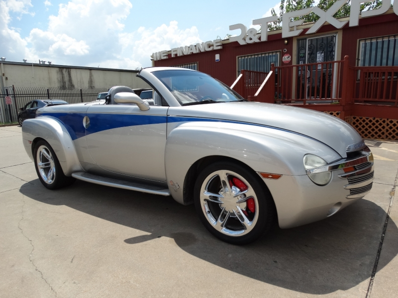 Chevrolet SSR 2005 price $19,995