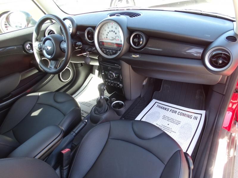 Mini Cooper Hardtop 2012 price $9,995