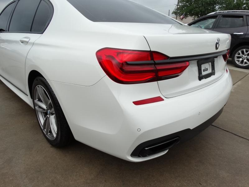 BMW 7-Series 2016 price $31,995