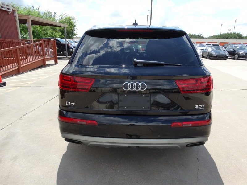 Audi Q7 2017 price $29,995