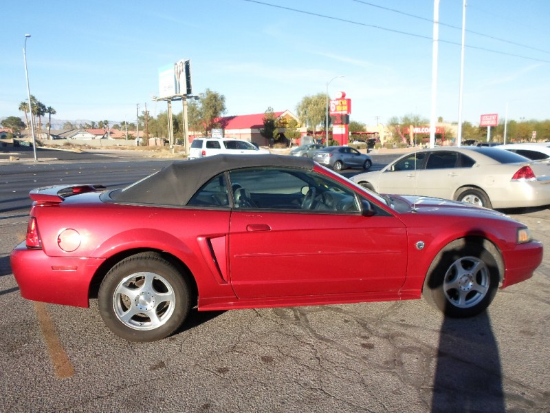Ford Mustang 2004 price $3,995 Cash