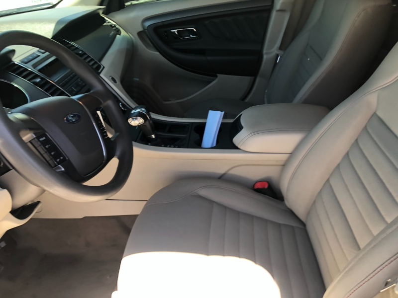 Ford Taurus 2010 price $5,995 Cash