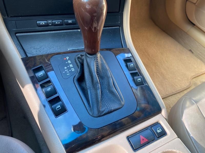 BMW 330 2001 price $4,995