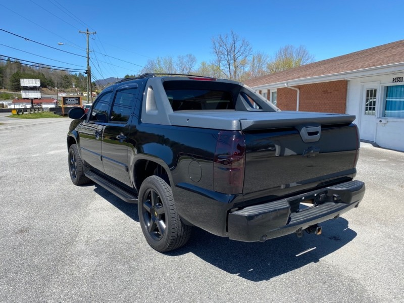 CHEVROLET AVALANCHE 2009 price $12,995