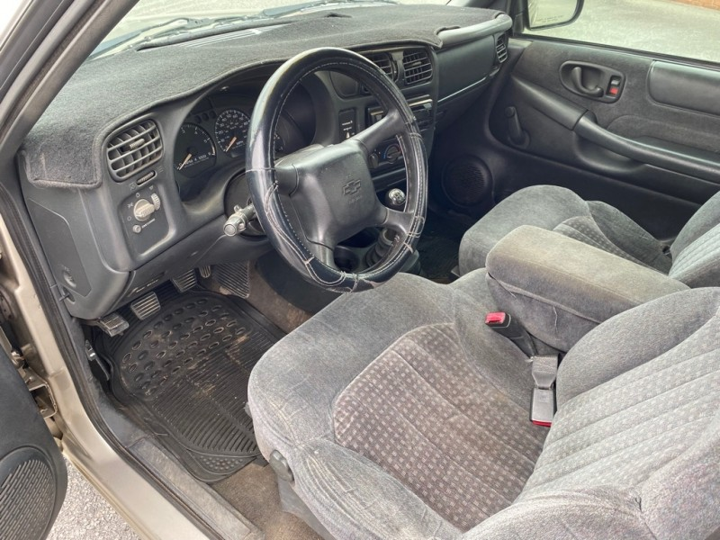 CHEVROLET S-10 1999 price $4,995