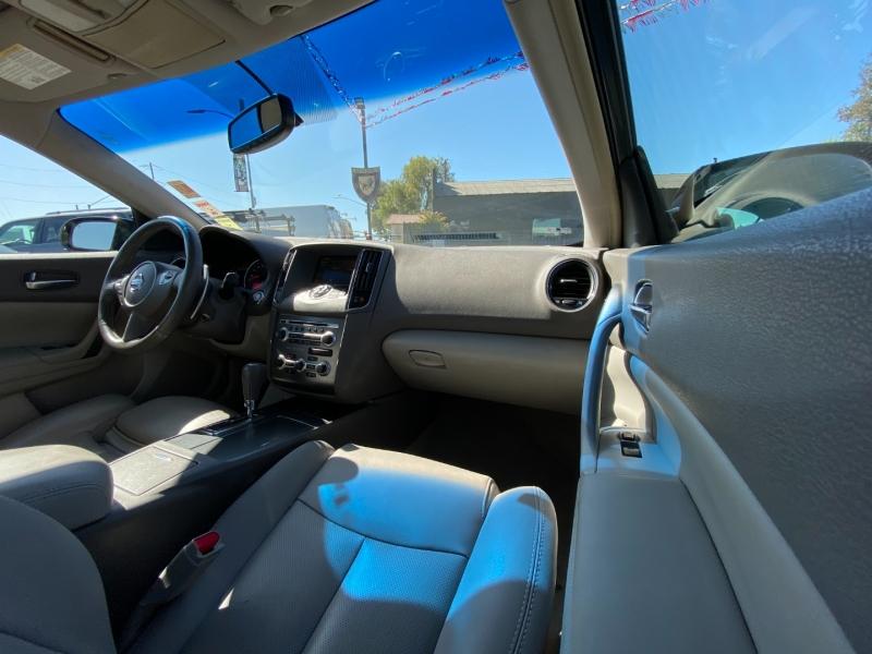 Nissan Maxima 2009 price $11,888