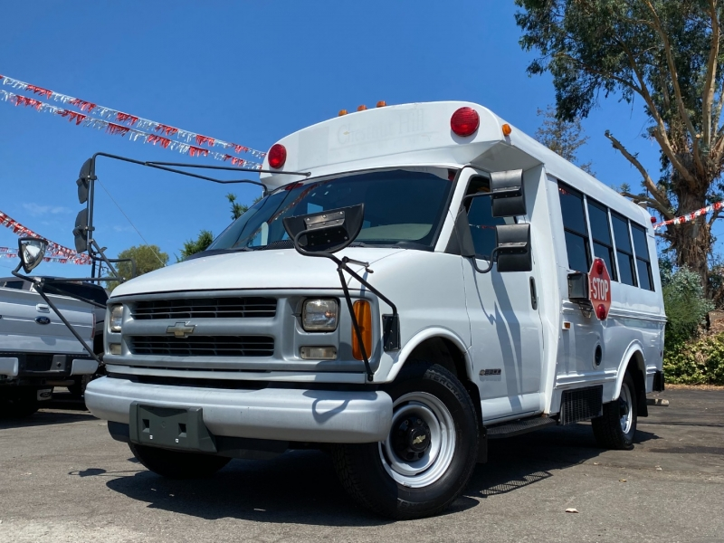 Chevrolet Express Commercial Cutaway 2000 price $15,888