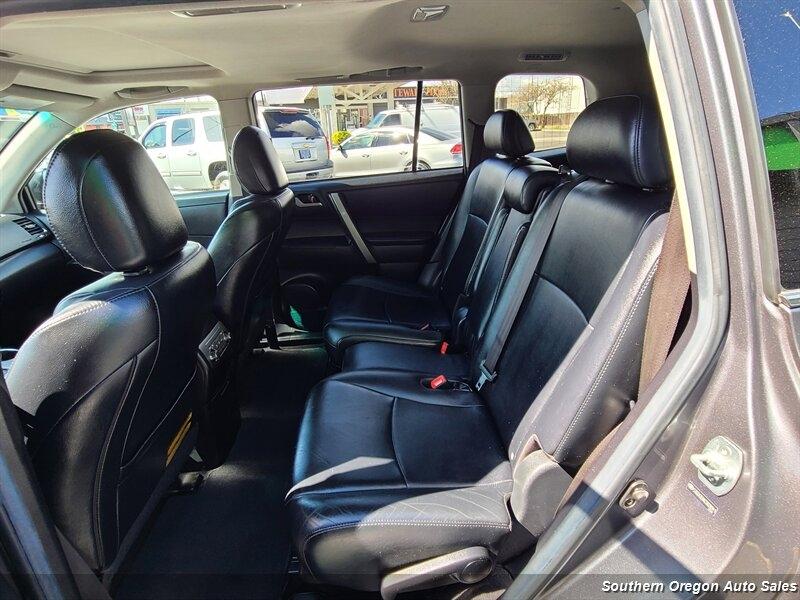Toyota Highlander 2012 price $12,900