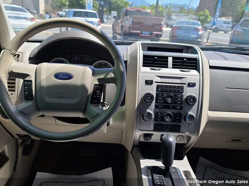 Ford Escape 2009 price $8,800