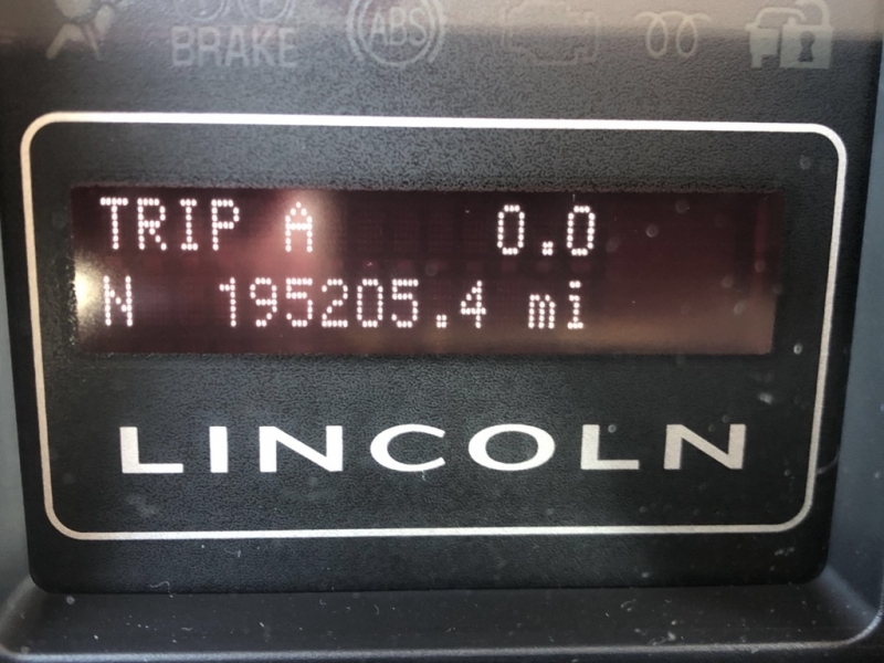 LINCOLN NAVIGATOR 2010 price $8,495