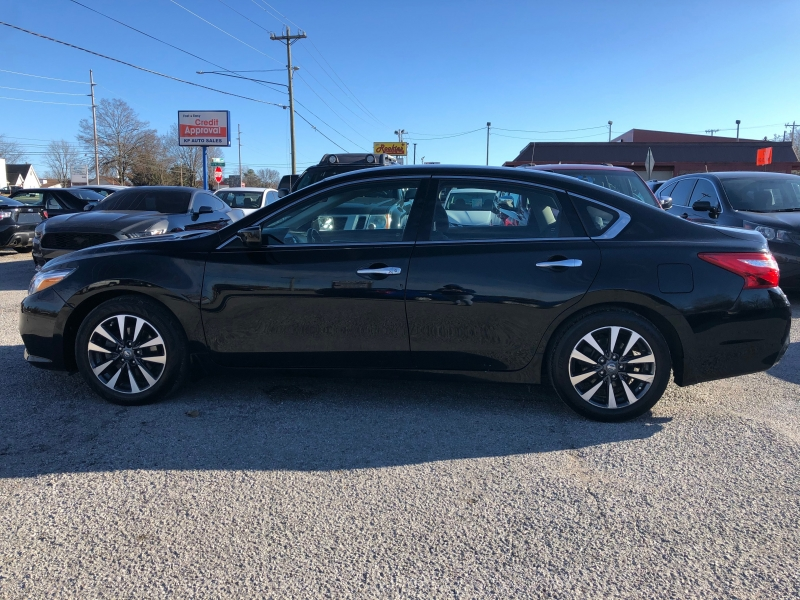 Nissan Altima 2017 price $11,250