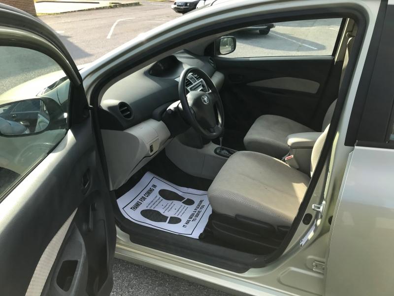 Toyota Yaris 2007 price $4,590