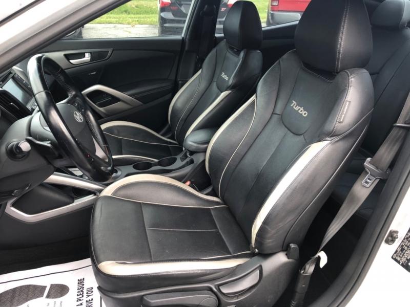 Hyundai Veloster 2015 price $9,990