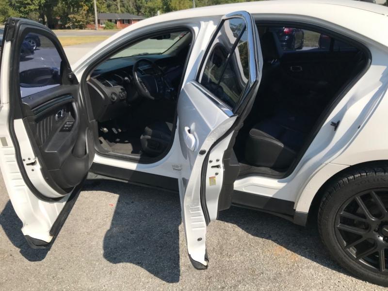 Ford Taurus 2010 price $6,990