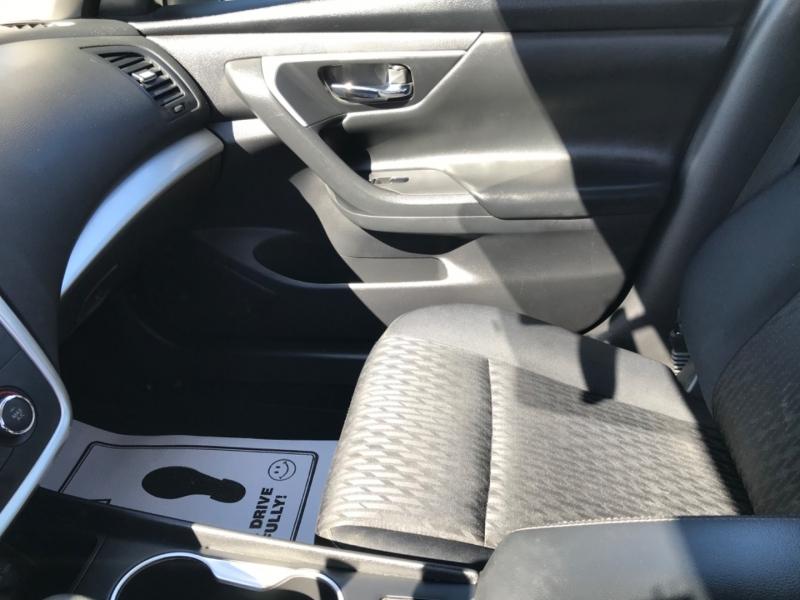 Nissan Altima 2018 price $11,990