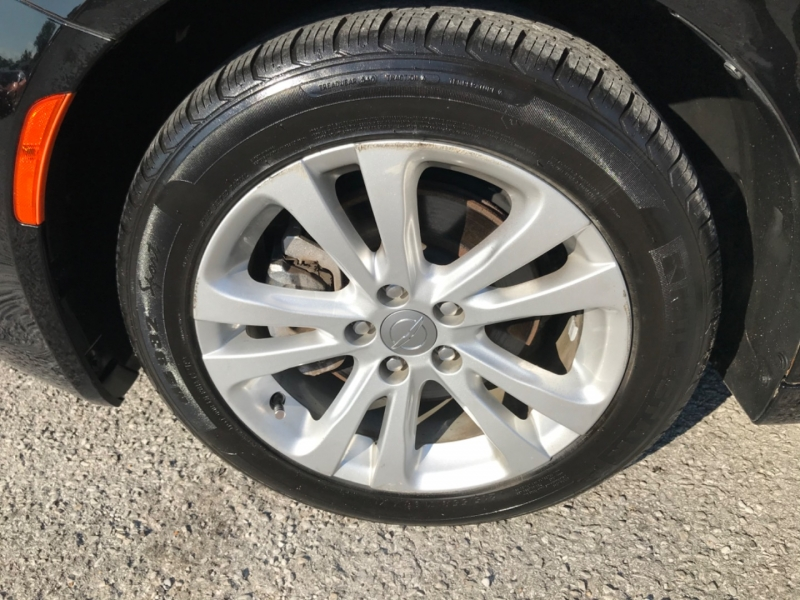 Chrysler 200 2015 price $12,990
