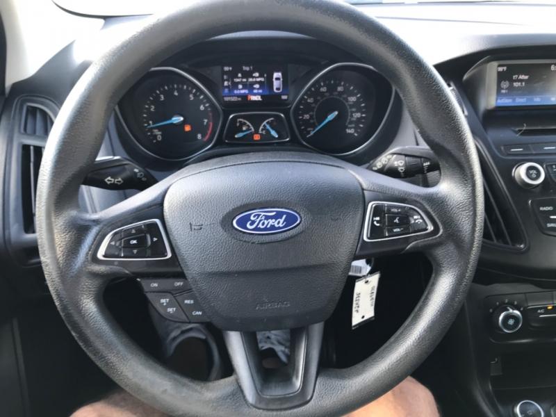 Ford Focus 2017 price $11,590