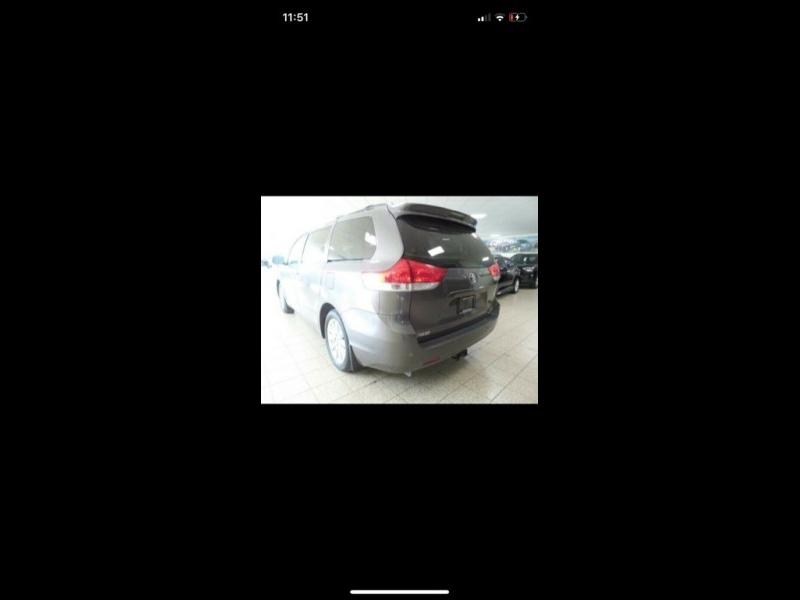 Toyota Sienna 2012 price $7,999